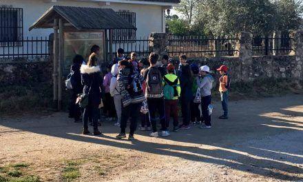 Los alumnos del CEIP Juan de Goyeneche visitan la Senda de Valmores