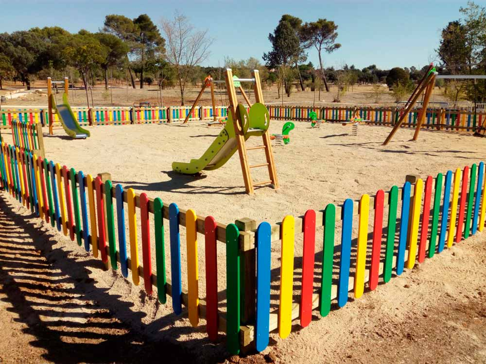 Nuevo parque infantil en Zona Valmores