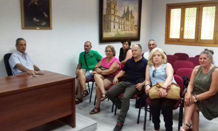 El Alcalde se reúne con los vecinos de Monteacevedo